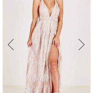 0e87d5a730 showpo Dresses | New York Nights Maxi Dress In Gold Size 6m | Poshmark